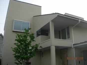 断熱効果が向上し、自然素材をふんだんに取り入れたモダンなお家になりました。