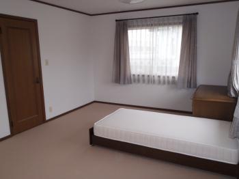 空き部屋だった2部屋を大きなワンルームに!ご息子家族が帰省されてもくつろげる空間になりました。