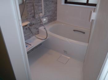 当社ホームページからお電話で問い合わせをされたS様。「お風呂が暖かくなった」と喜ばれました。