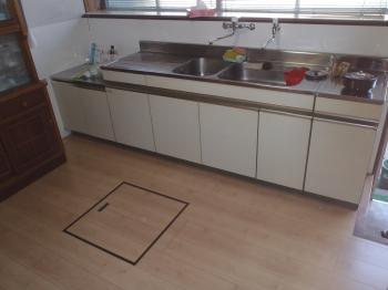 床の軋みや水漏れの痕、シミのようなものがあった場合は早めの対応を!